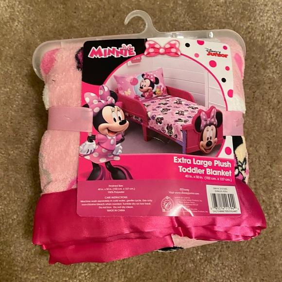 Minnie Plush Toddler Blanket